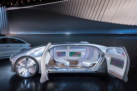 The Mercedes vision: F 015 no longer needs a driver