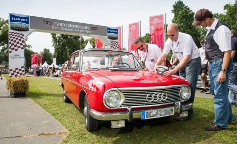 Standox has been a sponsor of the Classic Days for years and, amongst other things, offers car owners free colour measurements.