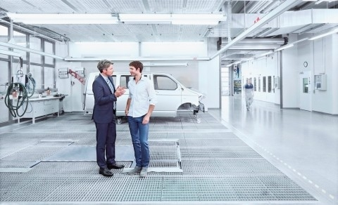Standox supports bodyshop owners with professional consulting services